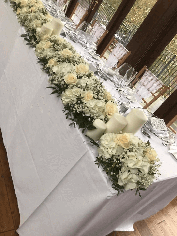 White rose table piece